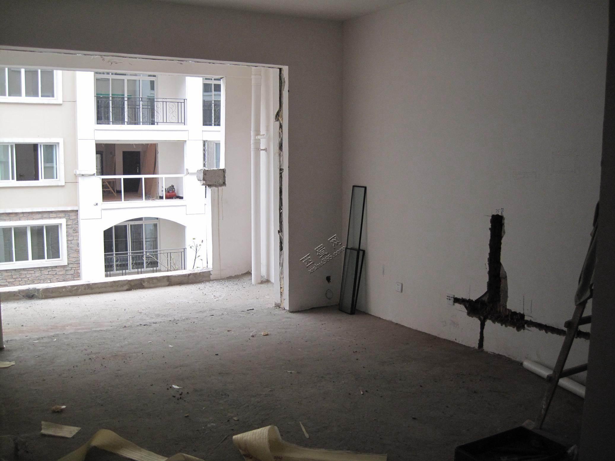 客厅及阳台