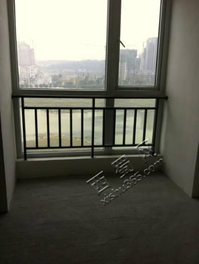 真心喜欢这个踏踏,视野相当好,要是整面墙都是落地窗就完美了!
